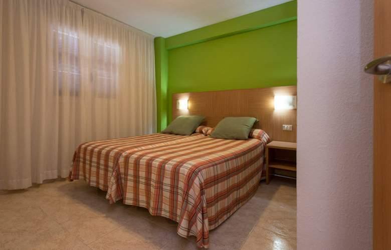 California Apartamentos - Room - 18