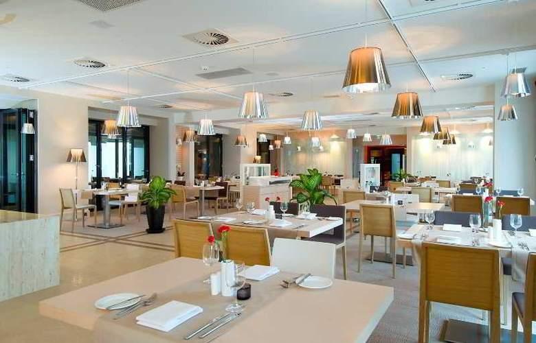 Ibis Styles Gdynia Reda - Restaurant - 3