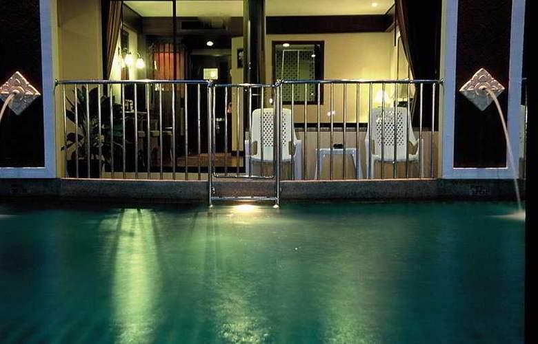 Karon Sea Sands Resort & Spa - Terrace - 12