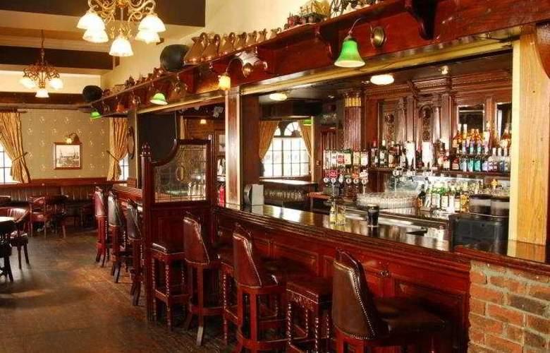 Treacys Hotel Spa & Leisure Club Waterford - Bar - 5