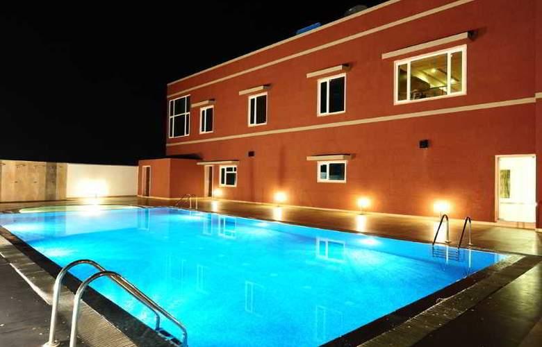 Desertscape - Pool - 10