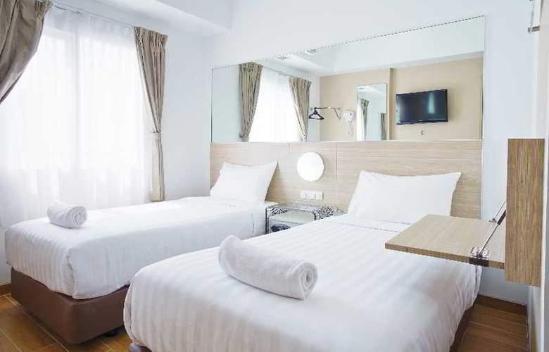 Red Planet Surabaya - Room - 9