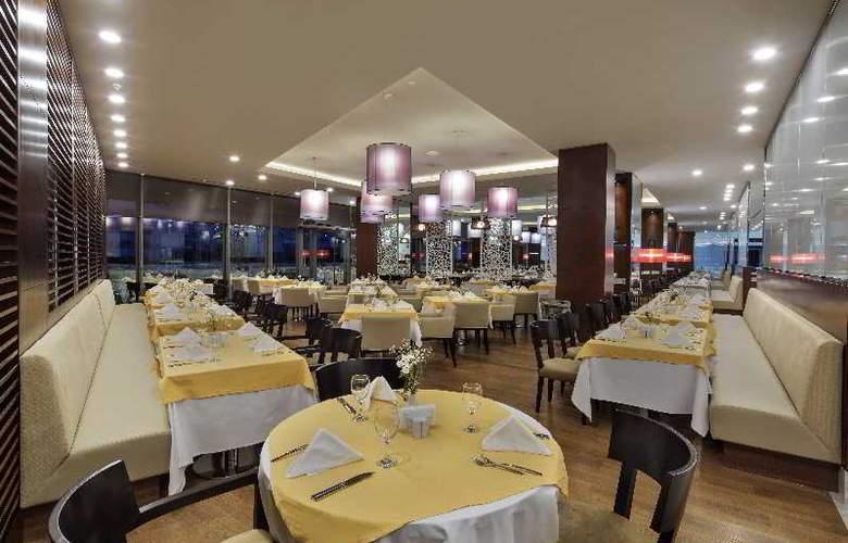The Sense De Luxe - Restaurant - 32
