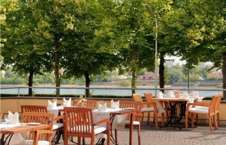 Hilton Bonn - Terrace - 19