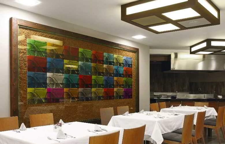 Sommos Hotel Aneto - Restaurant - 12