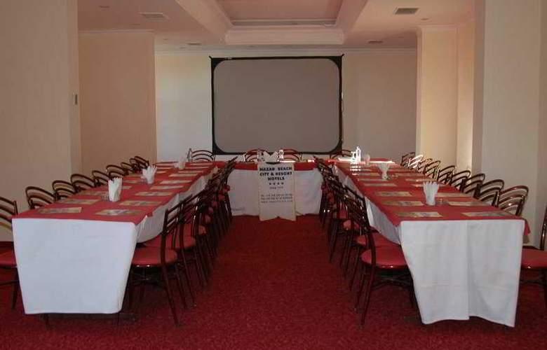 Nazar Beach - Conference - 7