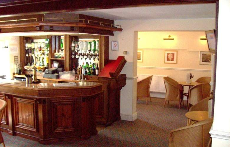 The Barns Hotel - Bar - 2