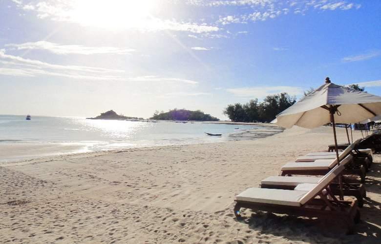 White House Beach Resort & Spa - Beach - 3