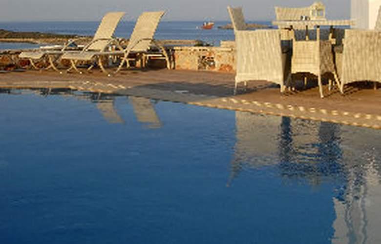 Kythira Golden Resort - Pool - 11