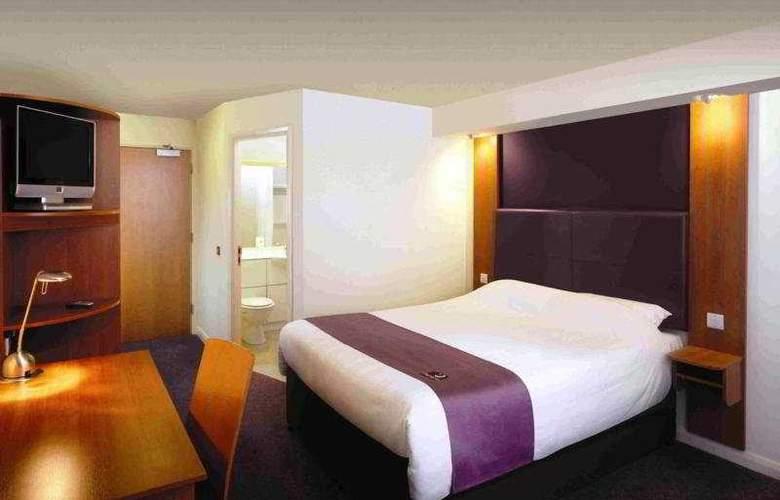 Premier Inn Glasgow City South - Room - 0