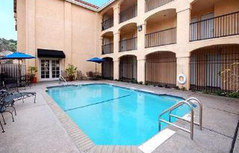 Comfort Inn Cordelia - Pool - 5