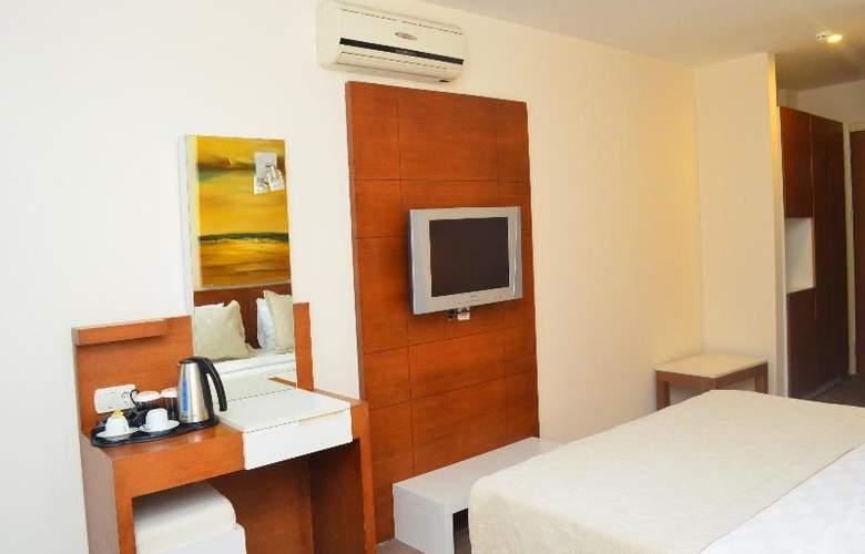 Sunbird Apart Hotel - Room - 18