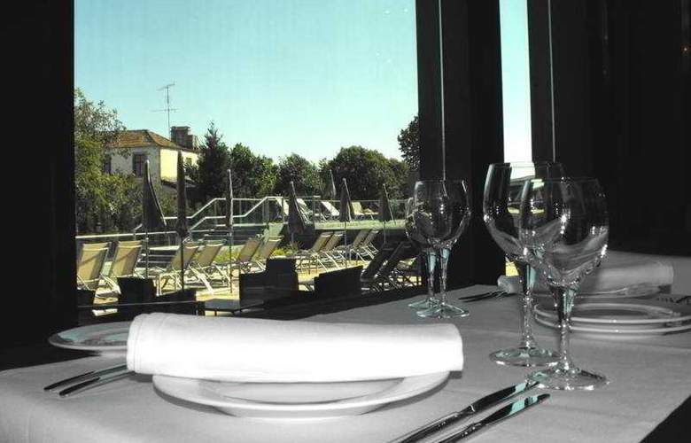 Axis Viana Business & Spa - Restaurant - 8
