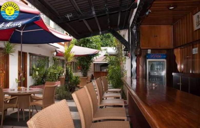 St. Moritz Hotel - Bar - 11
