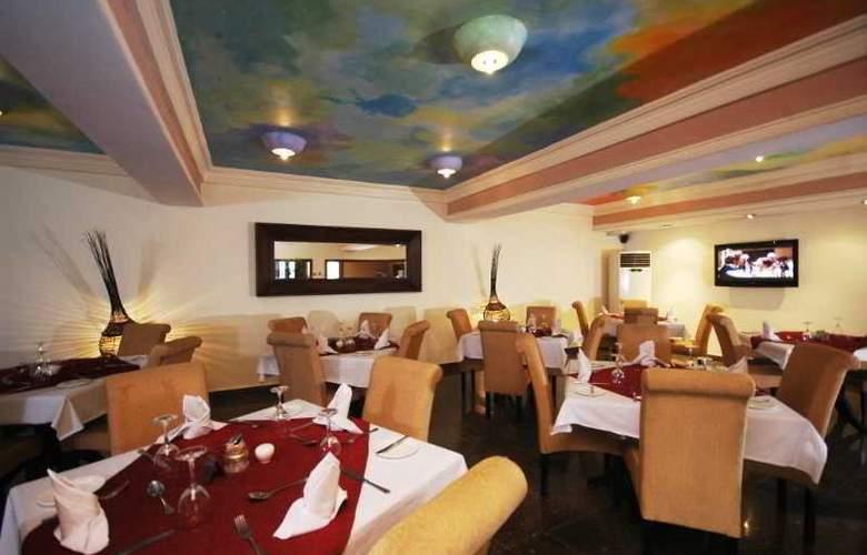 Planet One Aimede - Restaurant - 15