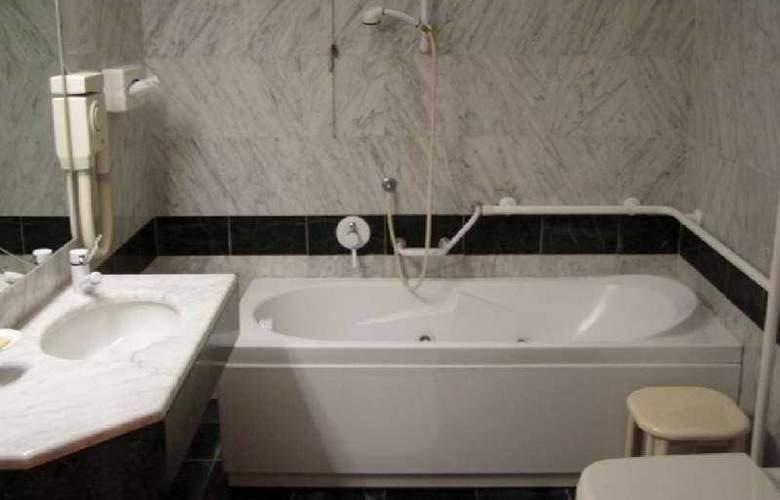 Park Hotel Villa Leon d'Oro - Room - 4