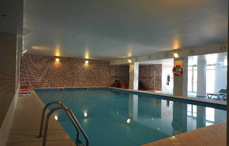 Lusitânia - Pool - 3