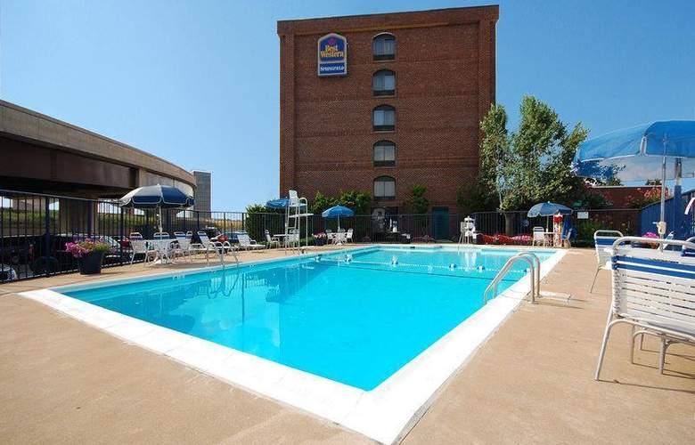 Best Western Springfield - Pool - 67
