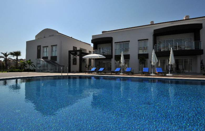 Odyssey Residence - Pool - 5