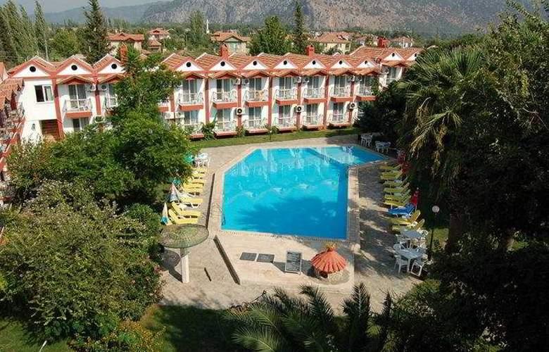 Grand Emir Hotel & SPA - Hotel - 0