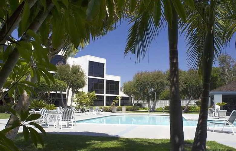 Sheraton San Diego Hotel & Marina - Pool - 9