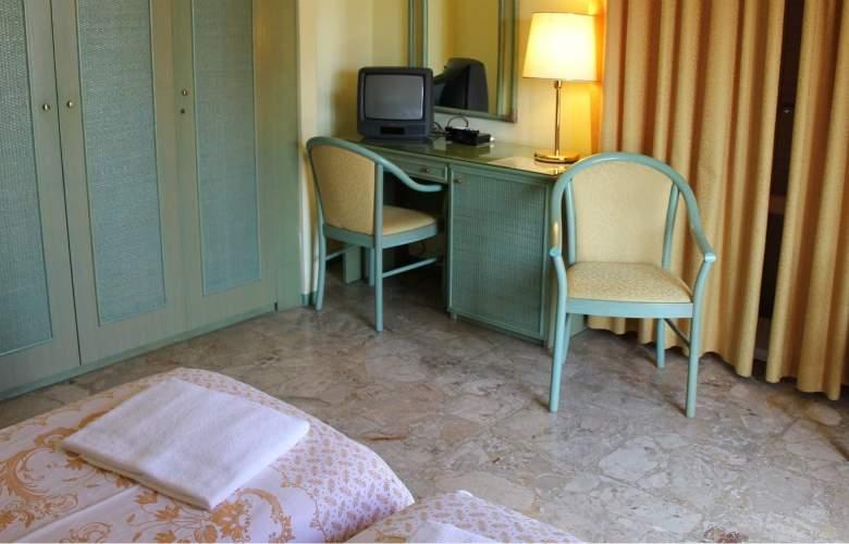 Amalfi - Room - 8