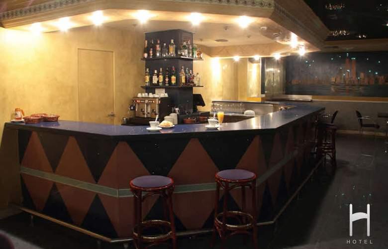 Hotel H - Bar - 1