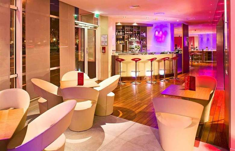 Mercure Paris La Defense - Bar - 57