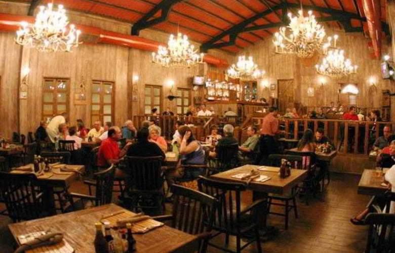 Golden Parnassus Resort & Spa All Inclusive - Restaurant - 22