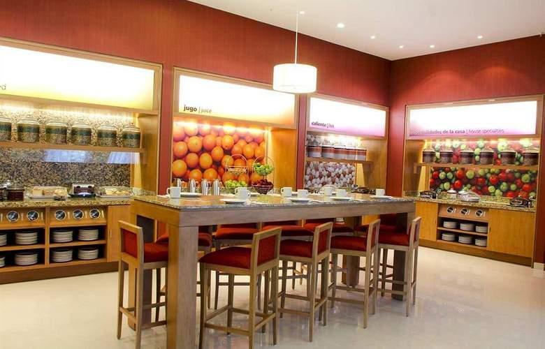 Hampton Inn By Hilton Guadalajara - Expo - Bar - 23