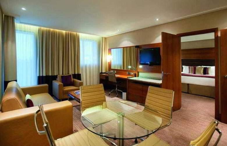 Sofitel London Heathrow - Hotel - 10
