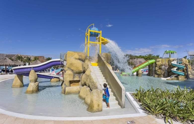 Grand Palladium Colonial Resort & Spa - Pool - 26