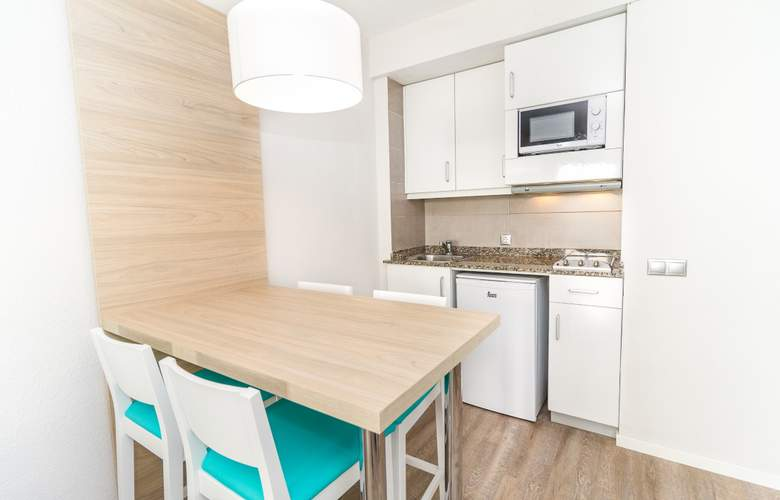 Eix Lagotel Hotel y apartamentos - Room - 15