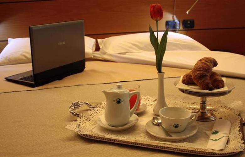 Best Western Hotel Dei Cavalieri - Room - 0