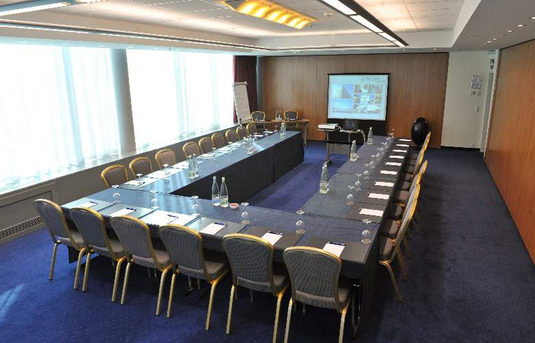 Ramada Encore by Wyndham Geneva - Conference - 4