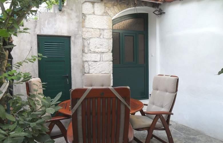 Villa Dube - Terrace - 3