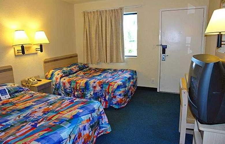 Motel 6 Santa Fe - Room - 2