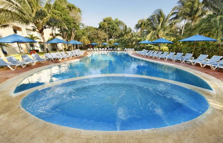Viva Wyndham Maya All Inclusive - Pool - 10