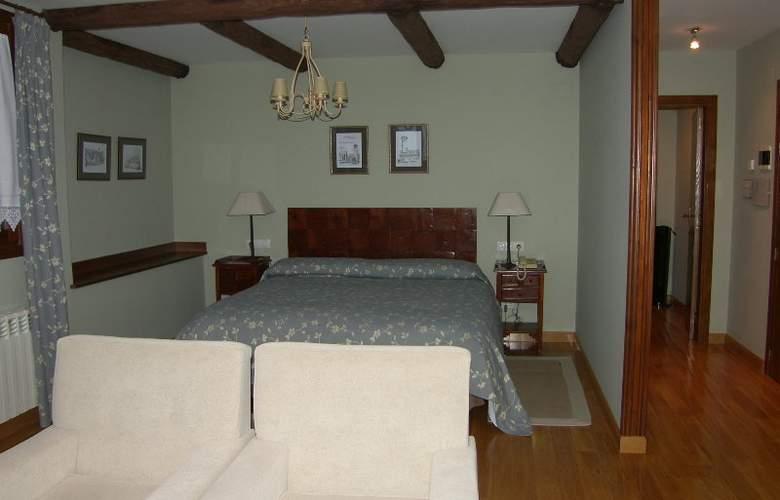 Conde Aznar - Room - 8