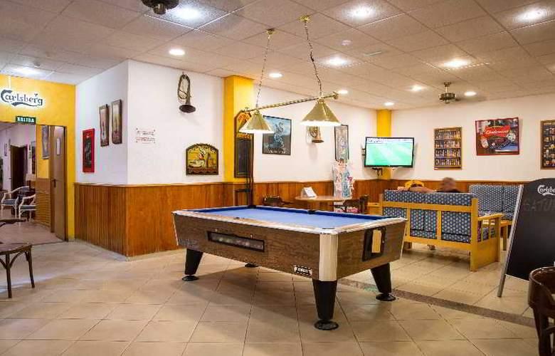 Oro Blanco Apartments - Bar - 24