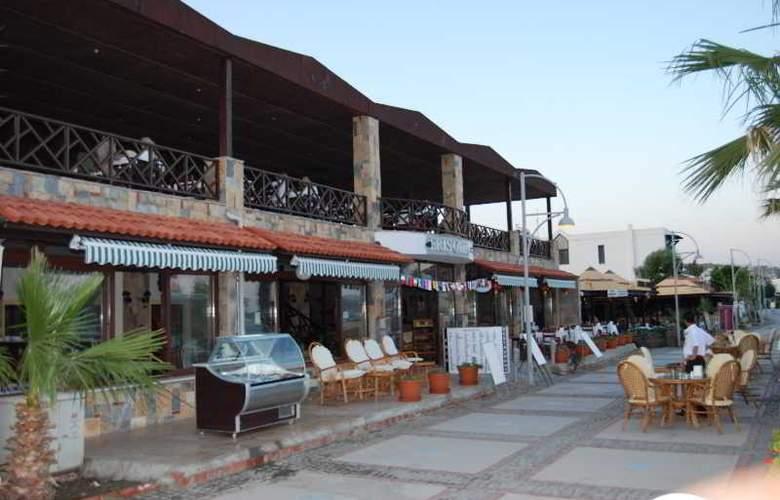 Eris Hotel - Restaurant - 3
