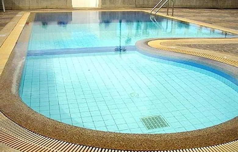 Laithong - Pool - 4