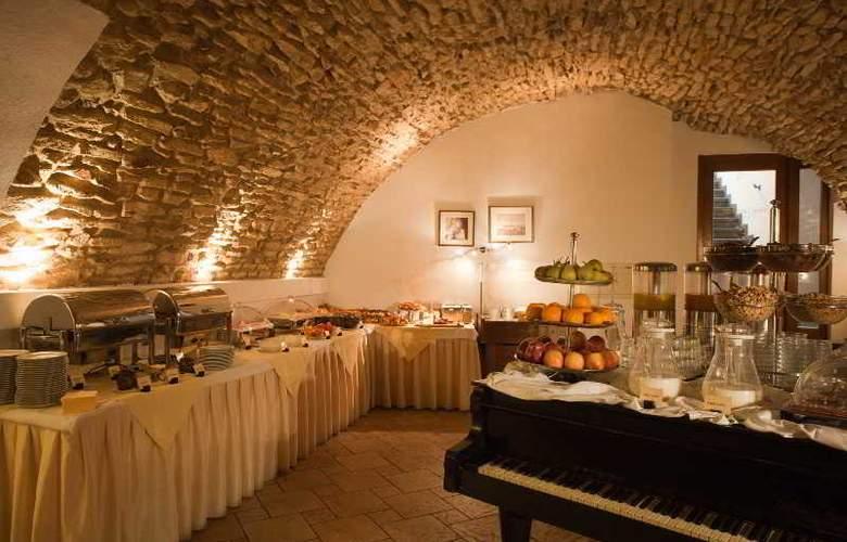 Leonardo - Restaurant - 25