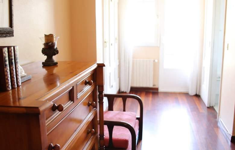 Antolin - Room - 3