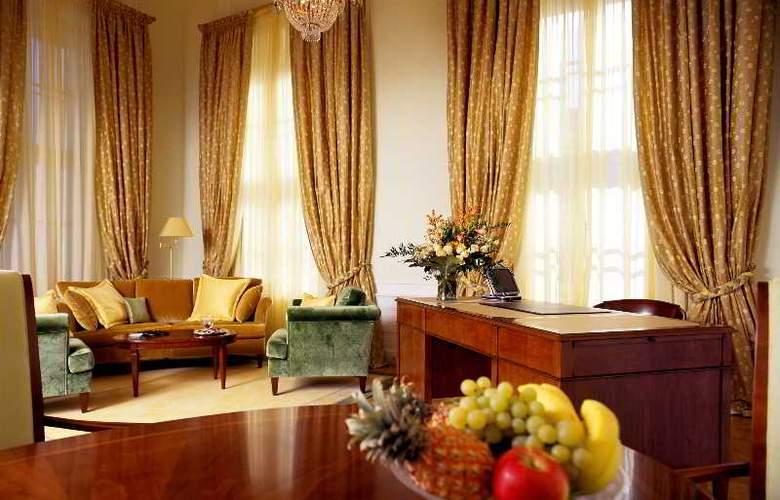 Palais Coburg - Room - 9