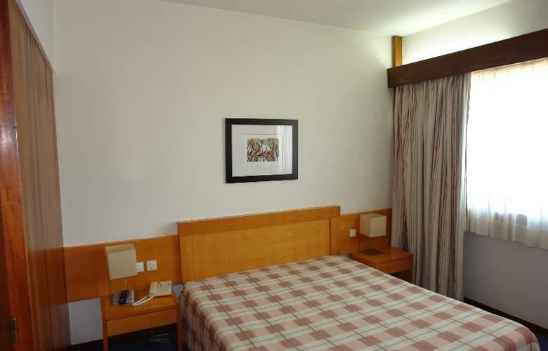 Eurosol Leiria & Eurosol Jardim - Room - 9