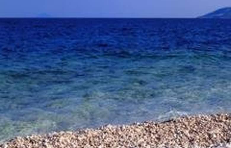 Valamar Sanfior Hotel - Beach - 6