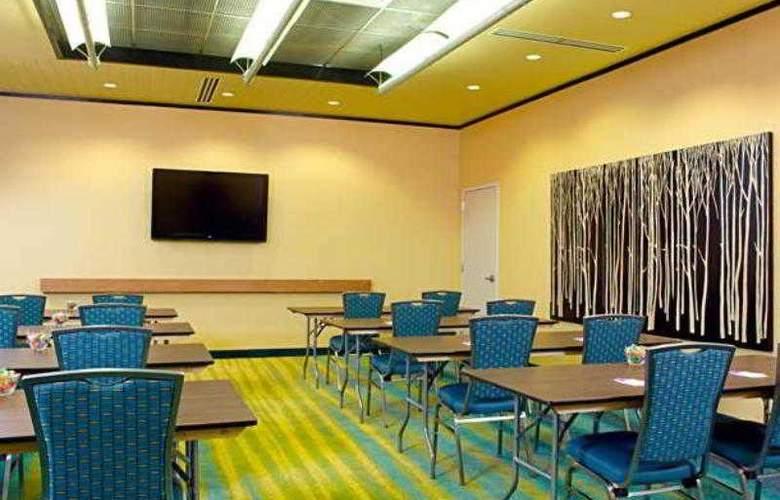 SpringHill Suites Philadelphia Airport - Hotel - 4
