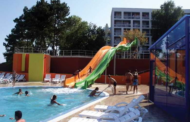 Cleopatra - Pool - 12
