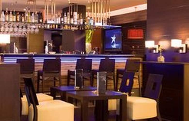 NH Danube City - Bar - 6